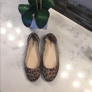 Leopard flats!